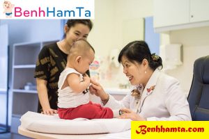 Có thể đưa bé đi khám bác sĩ khi tình trạng hăm da của bé nặng và không tiến triển