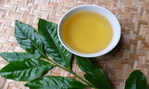 Sử dụng nước trà hoặc lá trà để chữa hăm tã rất hiệu quả (Nguồn: baomoi.com)