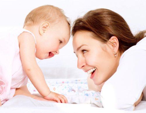 Mẹ có biết Trẻ bị hăm tã và viêm da phân biệt thế nào?