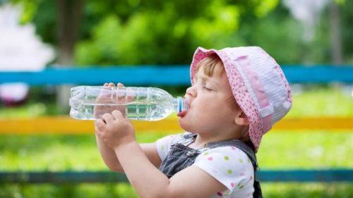 Bổ xung nhiều nước hàng ngày để tránh tích nhiệt